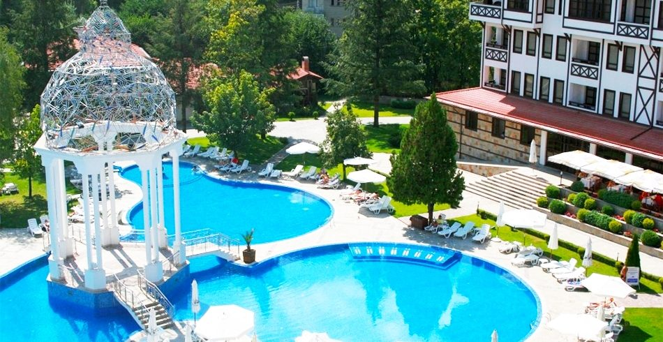 spa-pochivka-v-devin-noshtuvka-na-chovek-sas-zakuska-obyad-i-vecherya-baseyn-s-mineralna-voda-ot-spa-hotel-orfey-5
